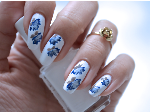 Manicure Monday | NAIL TUTORIAL #Blue Lotus Flowers