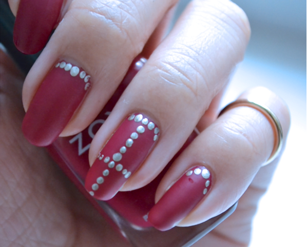 "Manicure Monday |NAIL TUTORIAL  #""Little Miss Vixen"" - Matte, red nails with golden dot details"