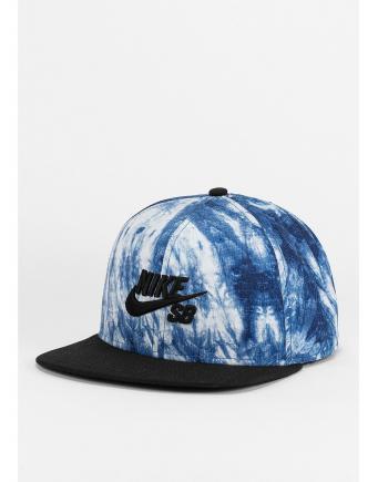 Unisex Trend: Nike Snapback in White/Blue