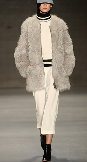 Fashion News: Lug Von Siga, für Sie - H/W 14 - Mercedes-Benz Fashion Week Istanbul, Oktober 2014