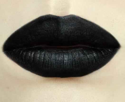 Styling- und Beauty-Tipp Berlin | Black Velvet Look