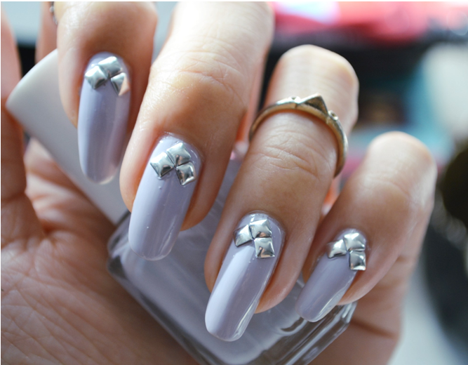 Manicure Monday |NAIL TUTORIAL #A touch of Spring with Lilac and Studs