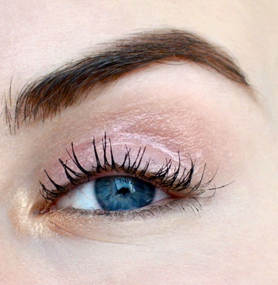 Styling- und Beauty-Tipp Berlin | Soft Wearable Glossy Eyes