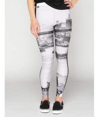 Urban-Trends: Leggings mit monochromer Skyline by K1X