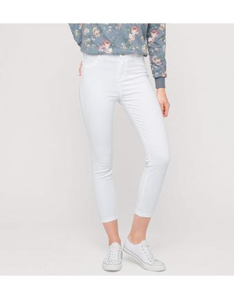 Basic-Trend: weiße 3/4-Sommerhose