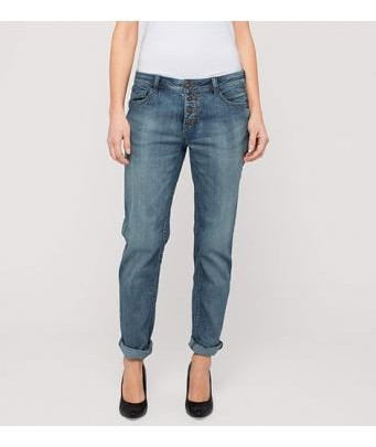 Street Look Women: Stone-Washed Jeans by C&A
