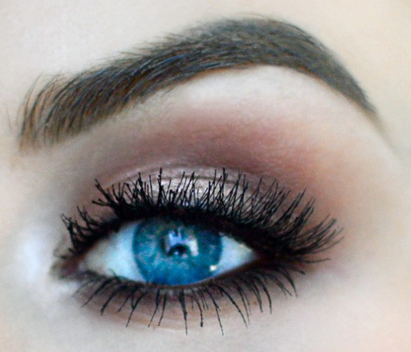 Eye Tutorial: Glamorous & Warm Smokey Eye