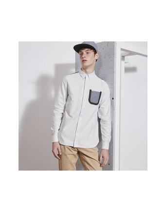 Hemd mit hervorgehobener Brusttasche by Lacoste