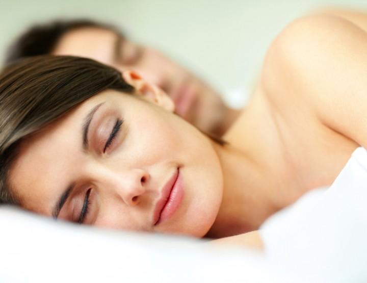 Erholsamer Schlaf auch ohne Kleidung möglich