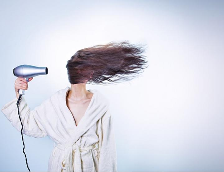 Fitness & Haar: Diese Angewohnheiten schädigen das Haar