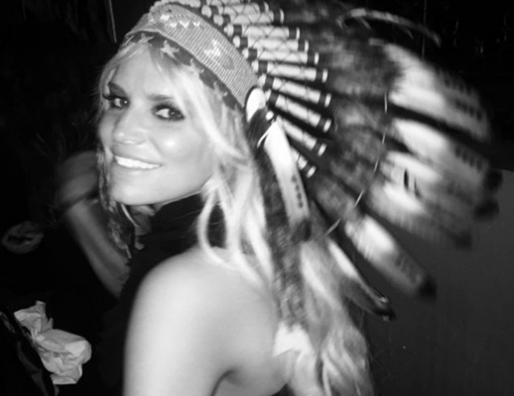 Jessica Simpsons commits a severe fashion blunder on Instagram