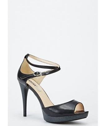 Black Peep Toe Sandals made of Patent Leather