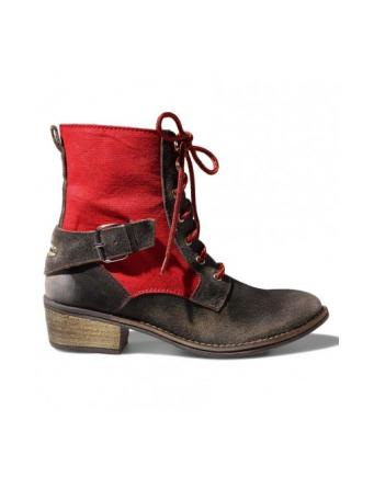 Red Tracht Boots by Stockerpoint