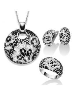 Luxury jewelry set with zirconia pieces