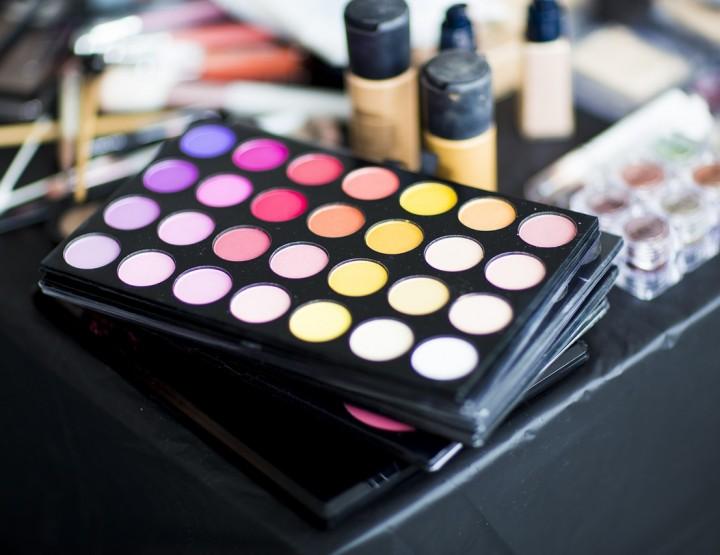 Verwandle dein altes Makeup ganz einfach in neue Produkte