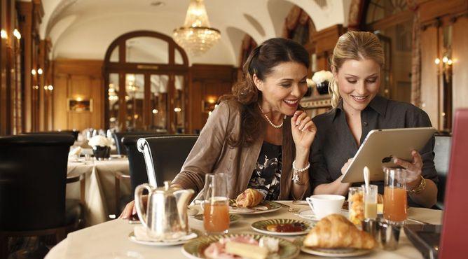 Hotel Bellevue Palace in Bern - 5 Sterne in den Bergen