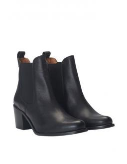 Schwarze Chelsea Boots by SixtySeven