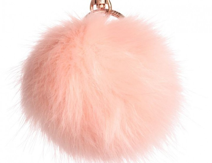 Accessories Trends 2016: Fur Pom Poms