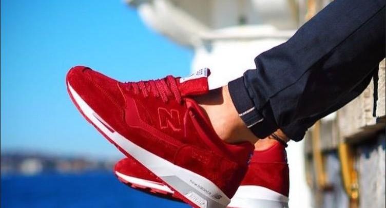 Tendenza: sneakers rossi