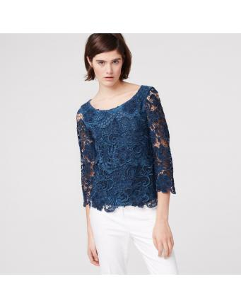 Lace shirt with three-quarter sleeves