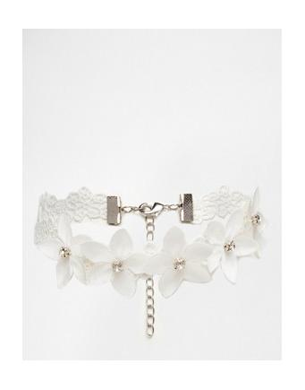 ASOS Wedding - short chain with fabric flowers