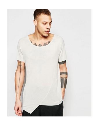 ASOS - Superlanges T-Shirt aus Feinripp mit asymmetrischem Saum - Hellbeige