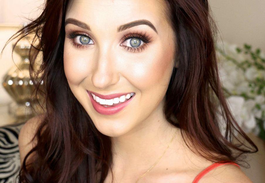 Jaclyn Hill X Becca Cosmetics Read The Trieb