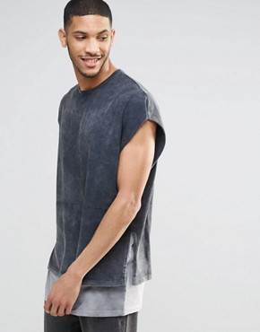 ASOS - Ärmelloses super Oversized-T-Shirt mit hohen Schlitzen und Kontrastsaum