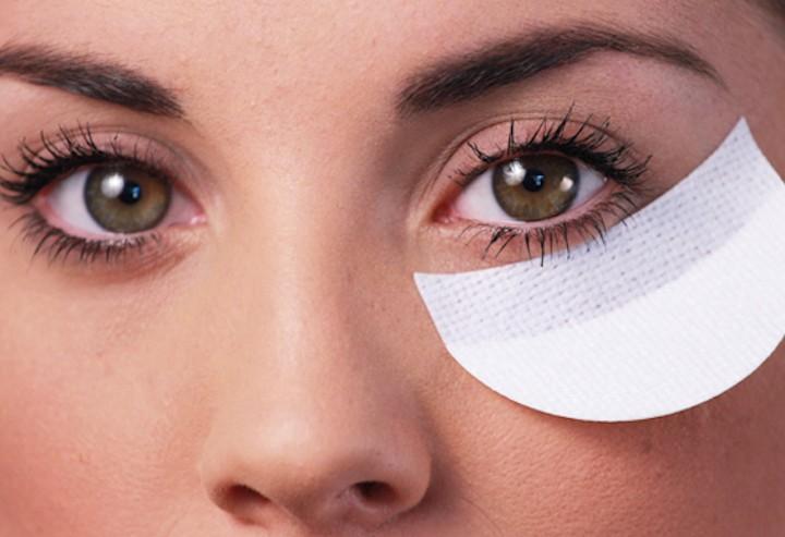 Un mudellu per u eyeliner?