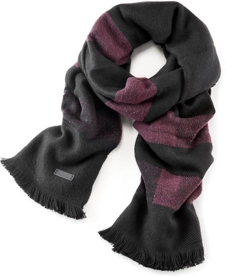 Schal aus weichem Wolltuch