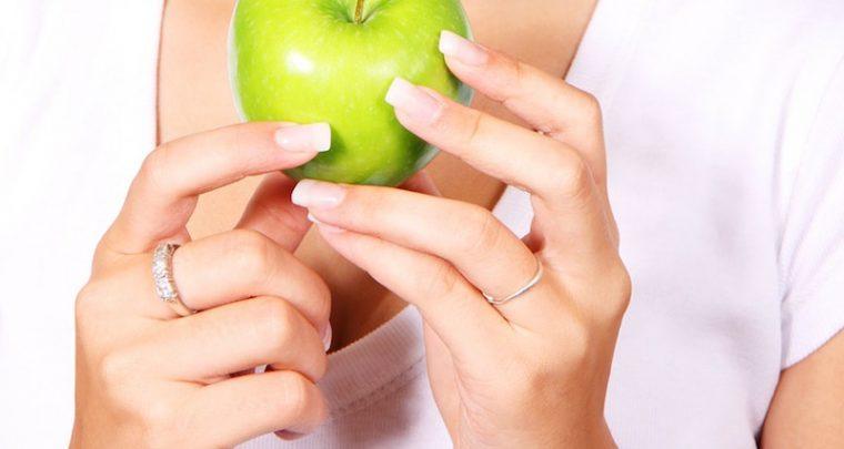 Das gute alte Haushaltsmittel gegen trockener Haut: Der Apfelessig