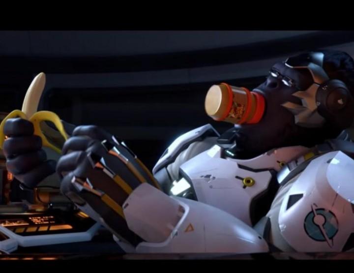 Overwatch spielen mit Bananen als Controller