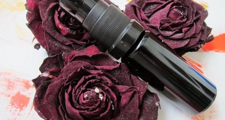 1001 Parfum Variationen mit der Königin der Blumen -  die Rose