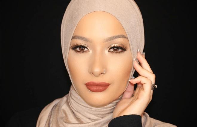 Covergirl läheb hidžabiks
