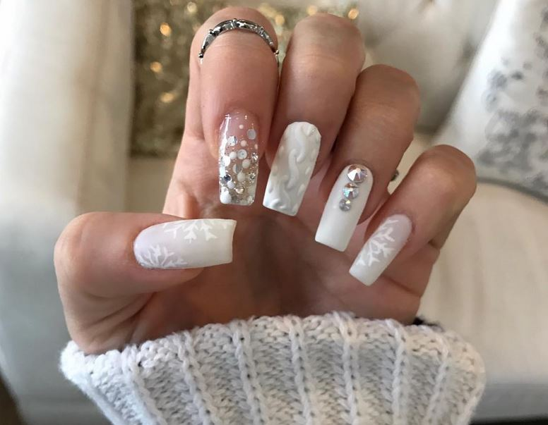 Weihnachtliche Nägel