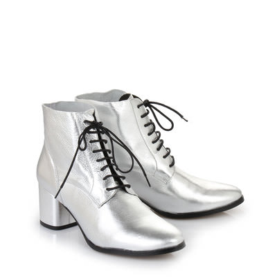 Stiefelette in silber