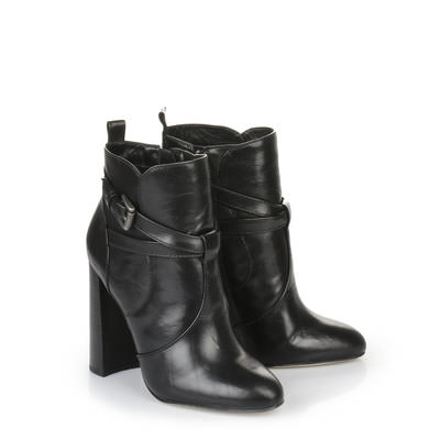 Buffalo black ankle boot