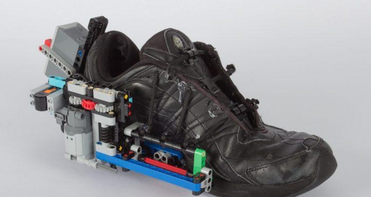 DIY - scarpe auto-vinculante cù Lego