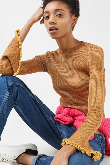 Fine knit sweater with trumpet sleeves and frills - mustard