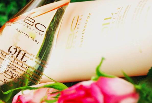 Blumen in der Flasche