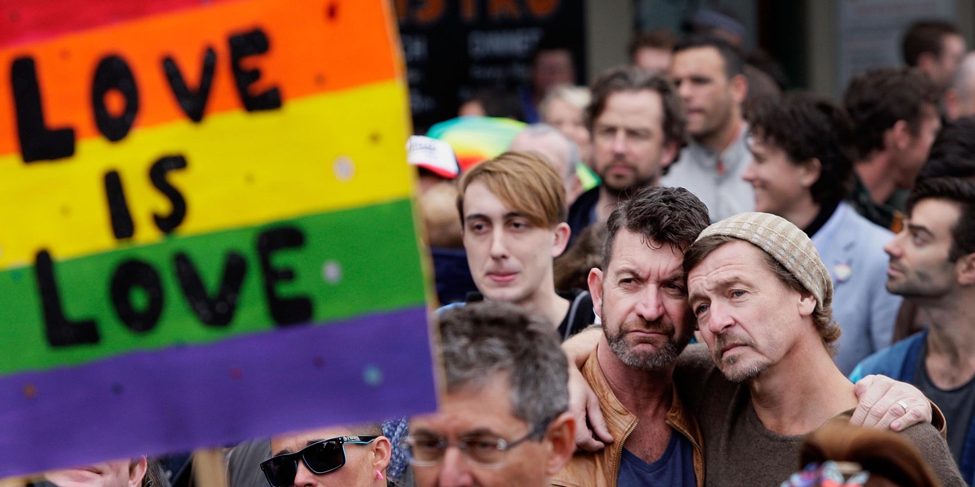 Ehe für alle! Zug der Liebe als Zeichen für die soziale Gerechtigkeit.