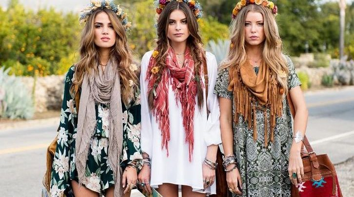 A tendenza di u vaghjimu 2017: look retro hippie