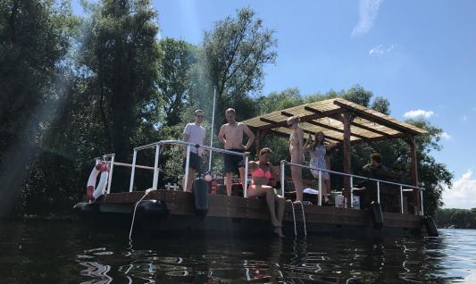 Grillboot mieten in Berlin