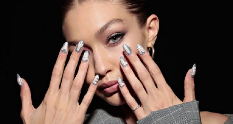 Super Model Gigi Hadid in Zusammenarbeit mit Maybelline