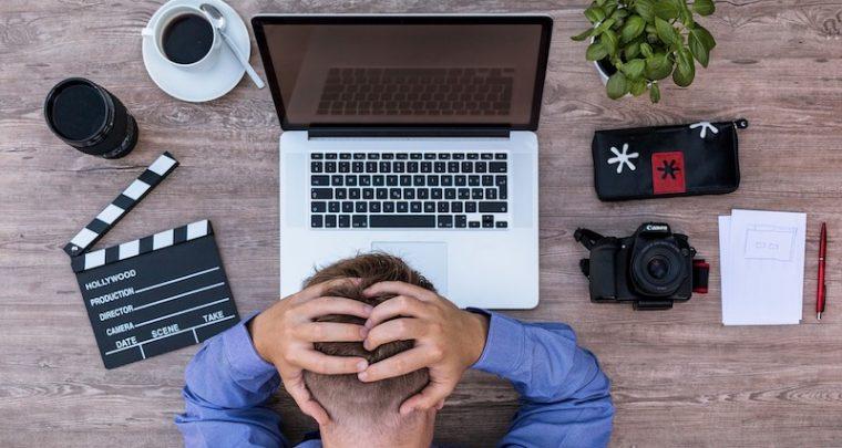 Stressis kontoris - 3 näpunäited optimaalse valgustuse saavutamiseks