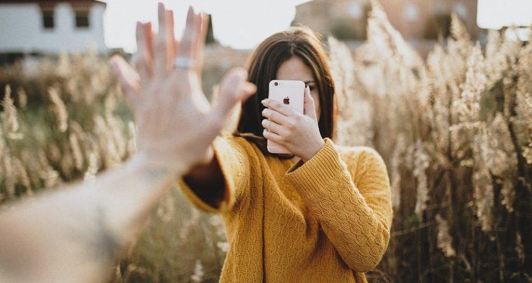 Questi posti nantu à u smartphone sò assassini di relazioni in Instagram è Facebook