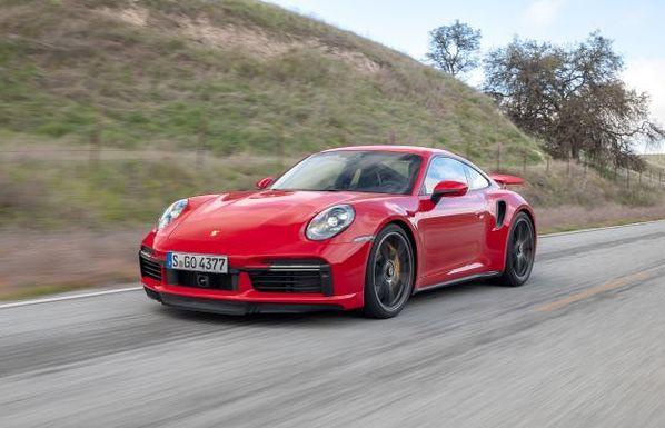 A fascinazione di e vitture sportive: u Porsche 911 Turbo! - L'era di un campione!