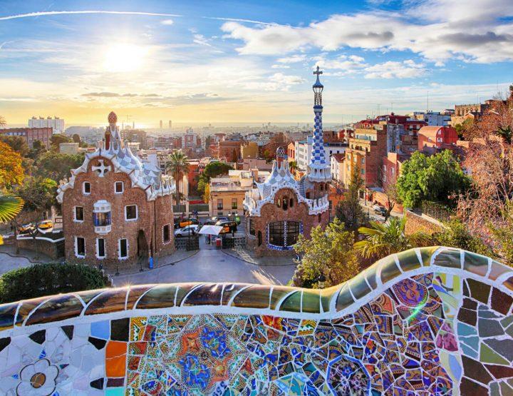 Metropoli di cuncepimentu: Barcellona! - Architettura è cultura catalana! - In forma caratteristica da Antoni Gaudi!